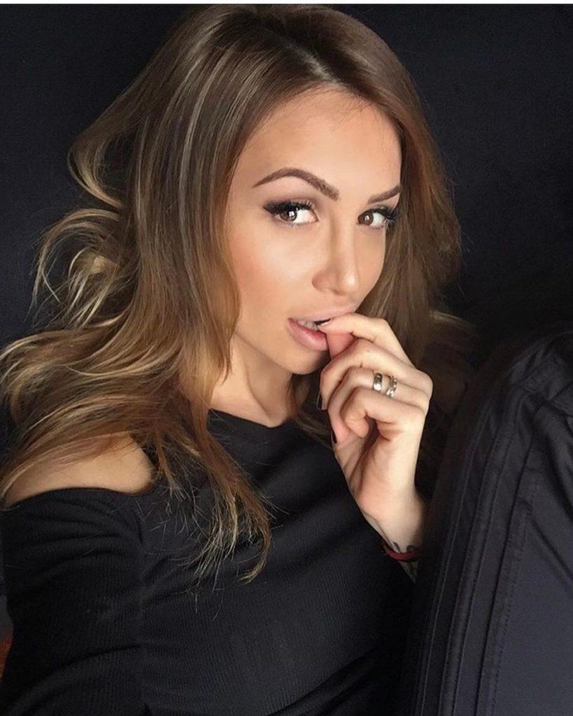10,000 Russian single women